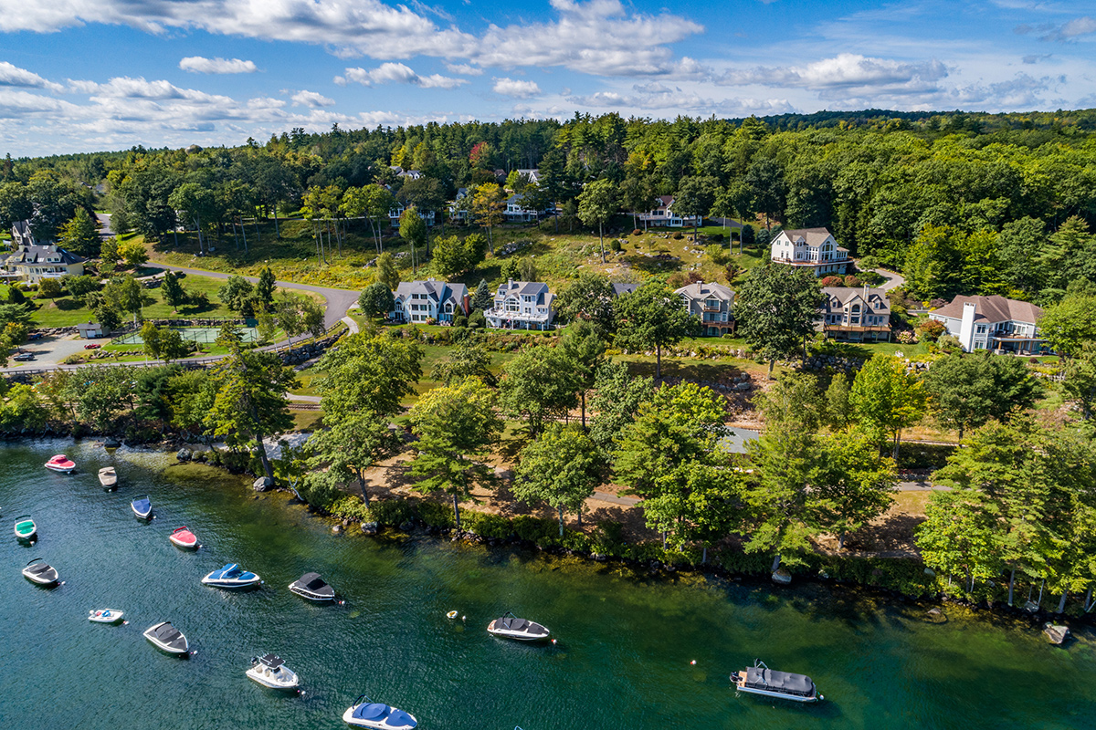 condominiums on lake winnipesaukee nh
