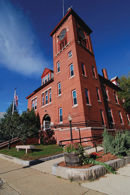 Town Hall in Alton, NH