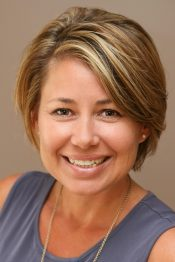 Lisa Crossman is a Sales Associate with Roche Realty Group in Meredith, NH